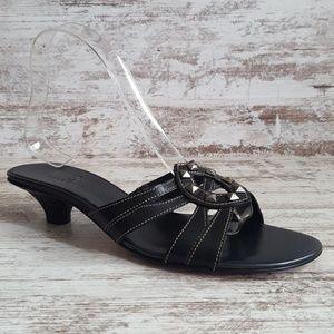 🔴Cole Haan Leather Studded Kitten Heel